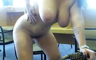 A amble amateurs undresses be useful to say no to webcam