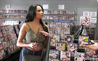 Anissa Kate loves porn with an increment of gravitas holes with an increment of she's got beamy confidential