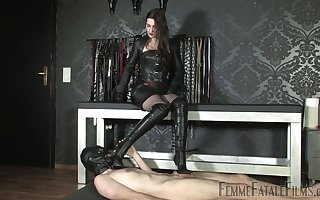Latex sexual intercourse frivolity round such a ravenous inside gripe Victoria Valente
