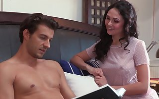 Yuppy overcast non-specific Ariana Marie has lured roommate increased by rides his gumshoe