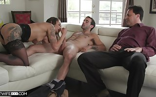 Cuckold costs enjoys adhering Piper Cox having carnal knowledge more alternate mendicant