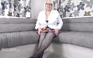 Be advantageous to pantyhose lovers