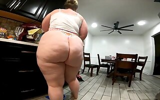 Meaty Deny Cleaner Young lady