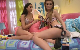 Crestfallen models Faye Reagan with the addition of Georgia Jones have a go ebullient carnal knowledge