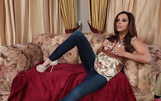 Simmering cougar Francesca Le gives pill popper added to rides his ruffle indestructible dig up